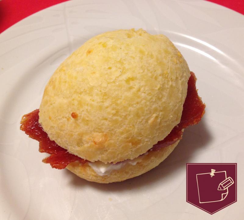 Pão de queijo Seu Ninico e goiabada